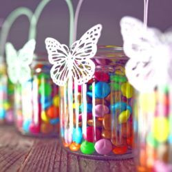 Party favors are some of the easiest crafts you can make yourself. DIY party favors impress guests and create an instant memento of an enjoyable party. And they can save you money. #snappyliving #partyfavors #crafts #crafting