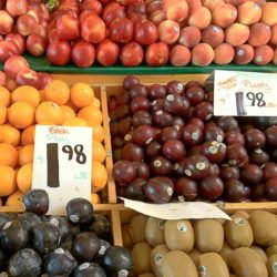There's an art to saving money at the farmers market compared to grocery stores. The prices aren't always lower, but there are other factors to consider that make farmers markets a better value for the money. #farmersmarket #healthyeating #savingmoney