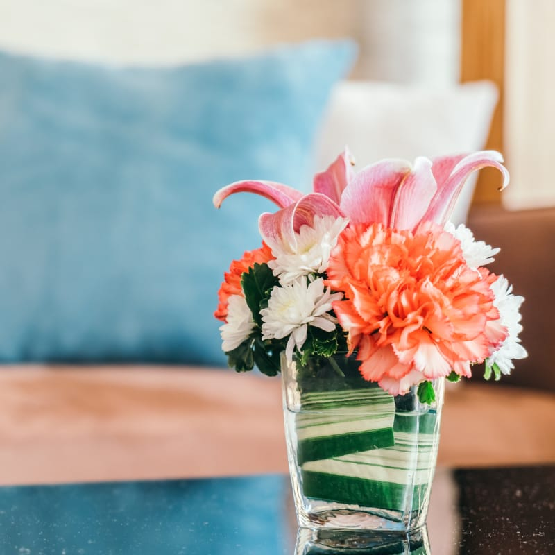 How to Keep Flowers Fresh Longer | Snappy Living