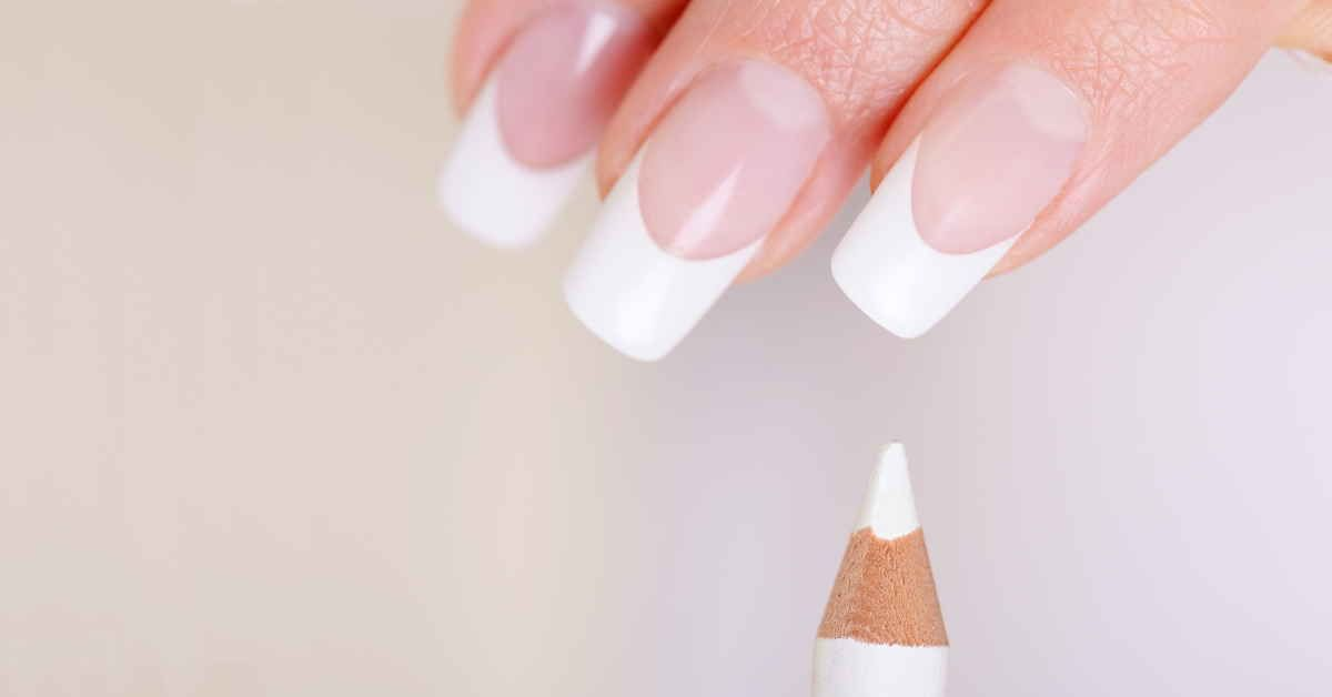 Fake a French Manicure (quick and easy) - Snappy Living