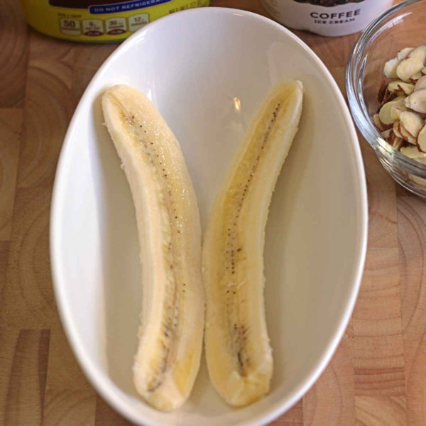 Banana halves in bowl
